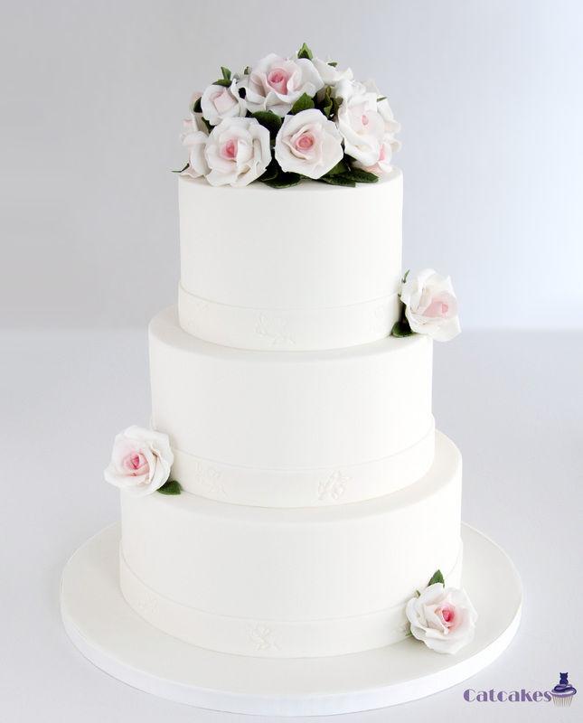 Tarta de boda con rosas de azúcar