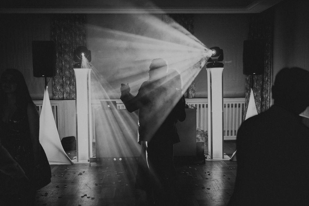 Światło + Dźwięk | DJ na Wesele