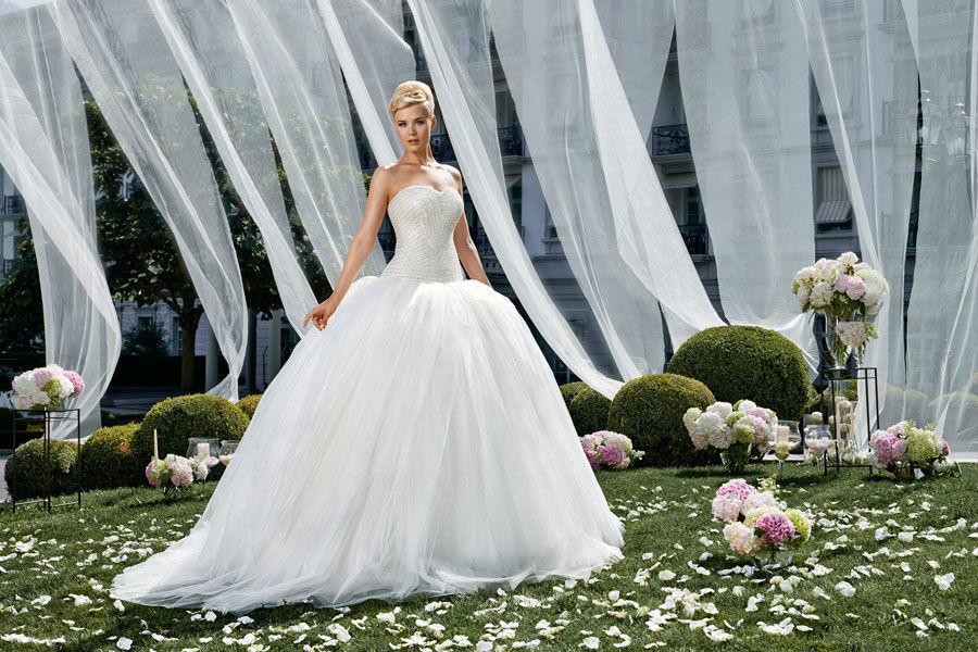 Beispiel: Atemberaubende Brautmode, Foto: Mery's Couture Bad Ragaz.