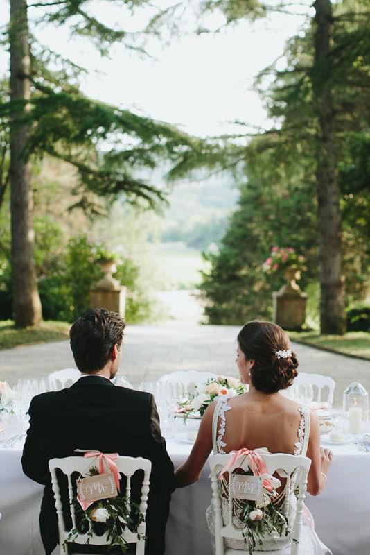 Dinnertafel unter freiem Himmel - das ist dolce vita. Foto: Rutko Photographers