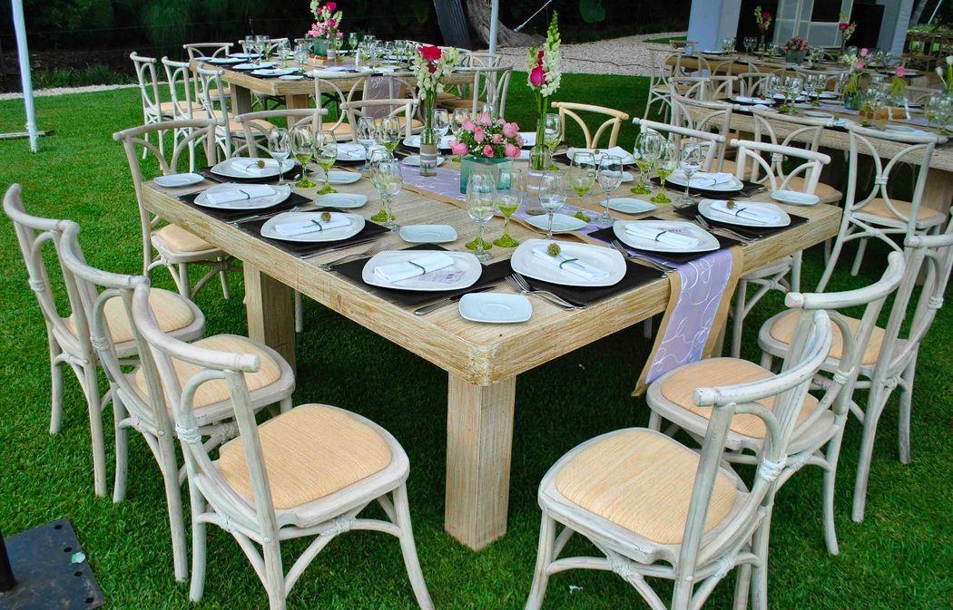 MaríadelMar&Jesús Coordinación: Elsa Bohorquez Wedding & Event Planners Diseño y Ambientación:TOT Lugar: Jardín Cuernavaca, Morelos Foto: Alejandro Garduño