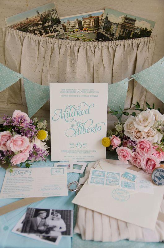 Invitación de boda y lista de boda en forma de postal. Todo impreso en letterpress (Impresión con bajorelieve).