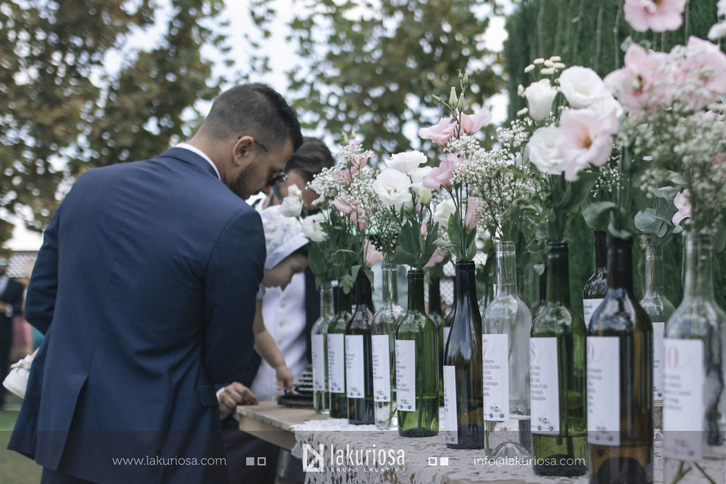 Aire Loco Wedding Design