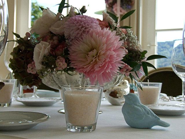 Beispiel: Blumendekoration für das Bankett, Foto: Evelyn Kühr.