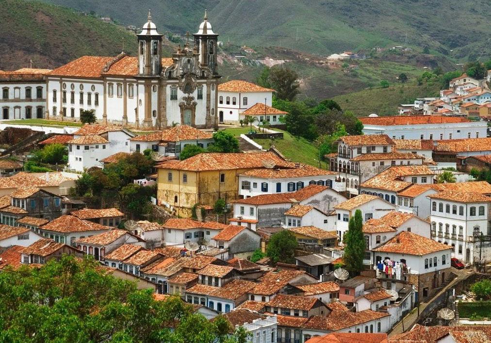 Le Minas Gerais, sur la route de l'Or. Un autre regard sur le Brésil au coeur de cette région connue pour ses fazendas (fermes), sa cachaça (alcool locale), son café et son architecture coloniale.  --