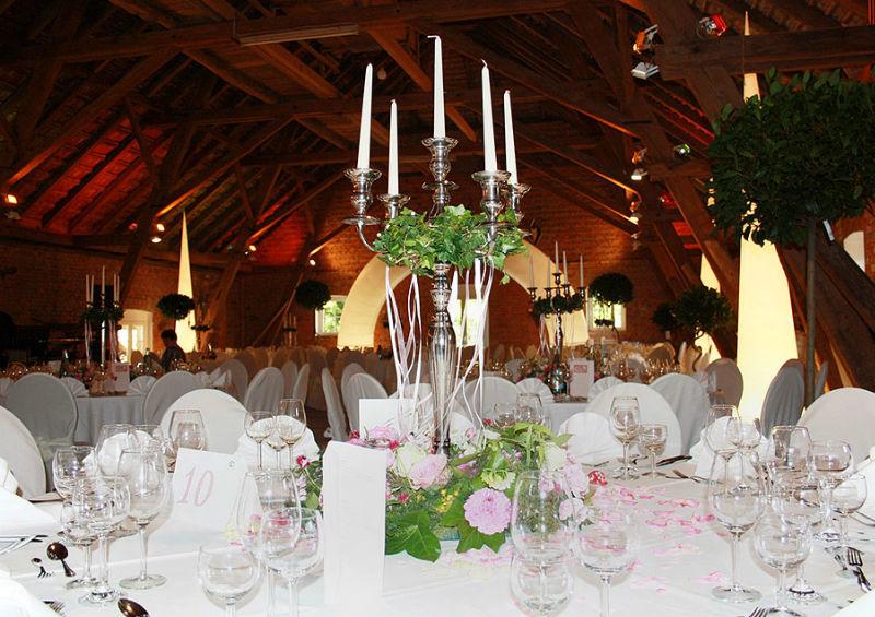 Beispiel: Tischdekoration, Foto: Schloss Assumstadt.