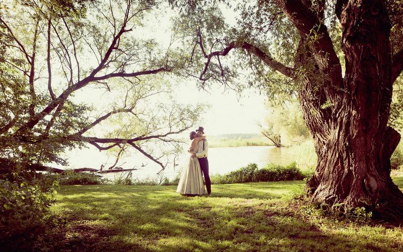 Beispiel: Romantische Hochzeitsfotos, Foto: Berlin Weddings Hochzeitsfotografie.