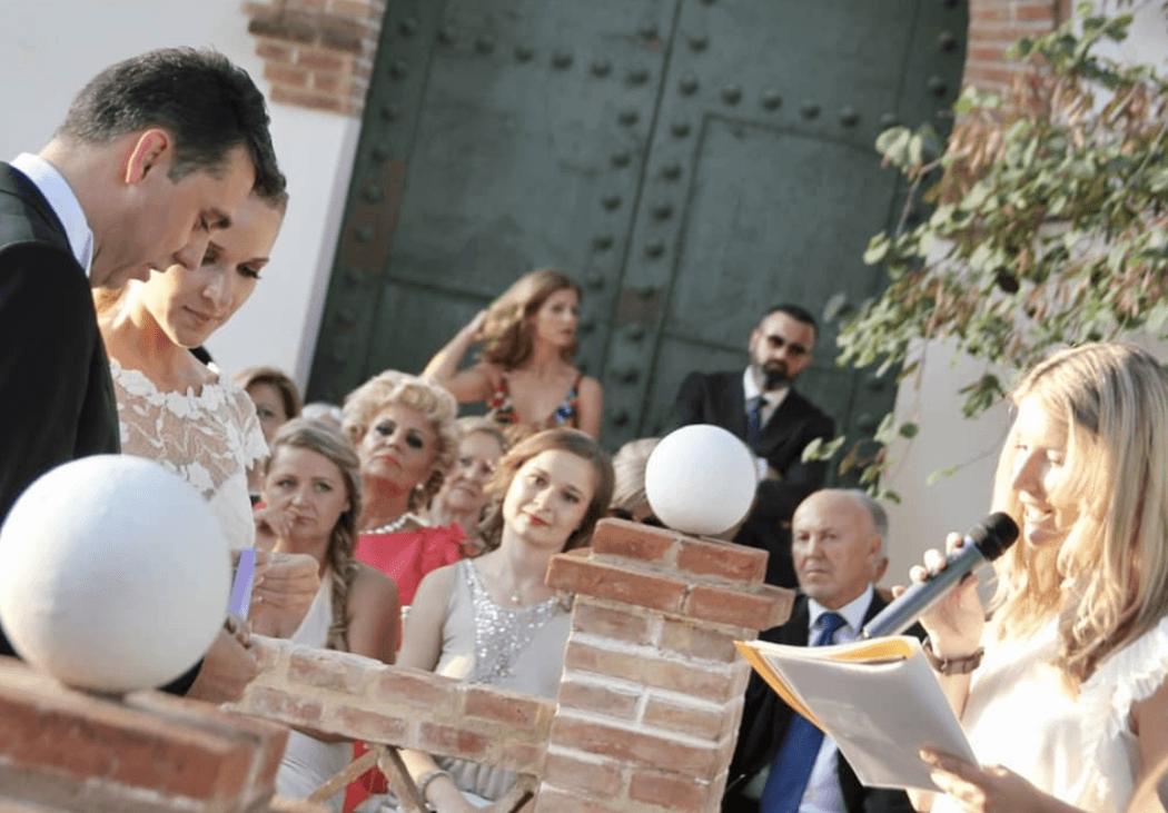 Ivana Villar Maestra de Ceremonias