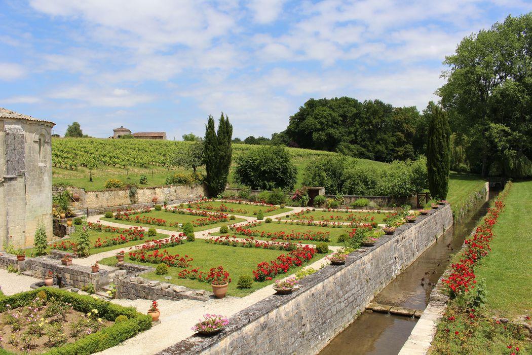 vue sur les jardins depuis la terrasse
