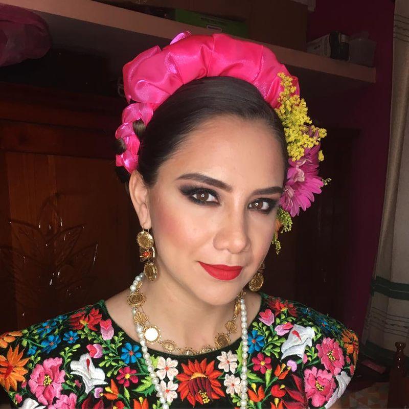 Lucero Make Up