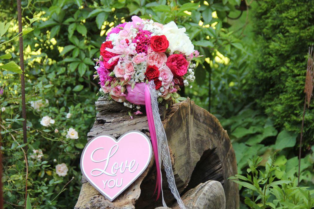 Definitiv auch ein Highlight...pink/rosa/knallrot...passend zu einer Deko mit Coladosen...unglaublich toll.