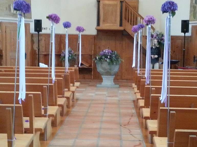 Beispiel: Kirchendekoration, Foto: Blumen Goldmann.