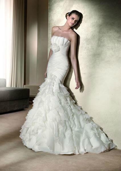 Beispiel: Romantische Kleider für Bräute, Foto: Traum Braut.