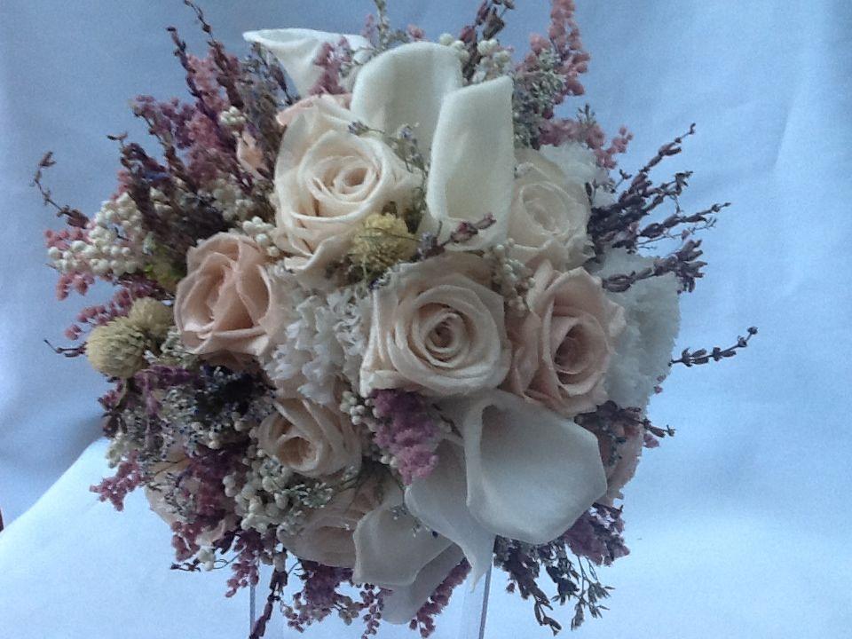 Flor de Cór - buquê desconstruído de flores naturais preservadas e desidratadas