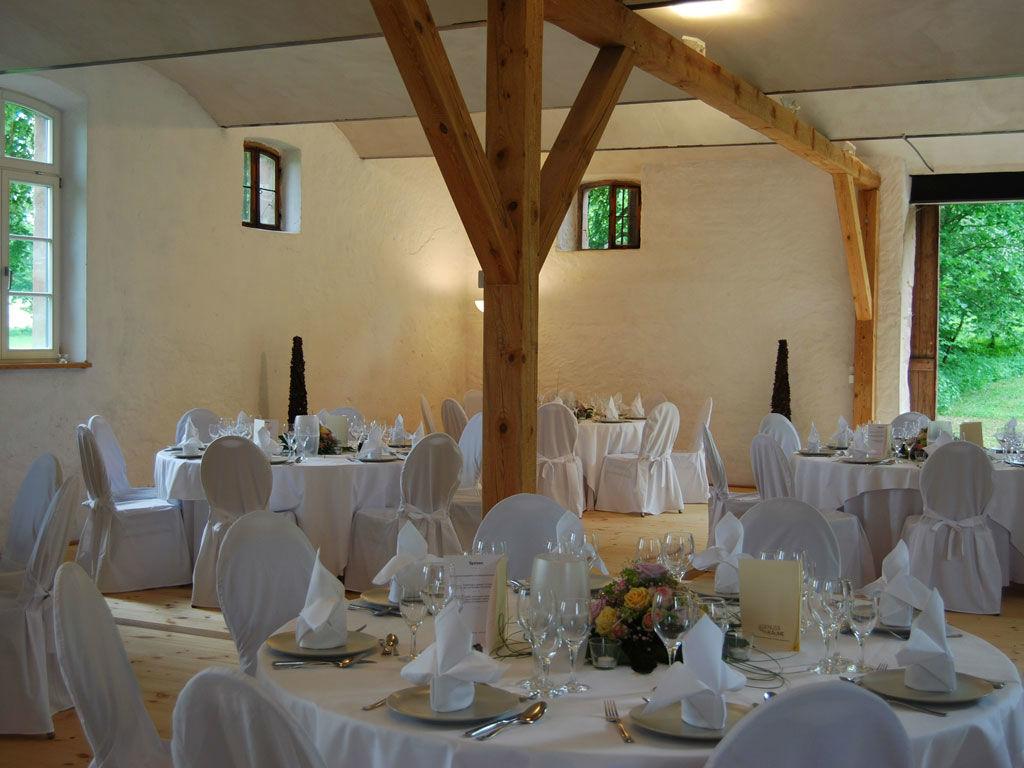 Beispiel: Remisensaal - Bankett, Foto:  GenussRäume der SchulerGruppe - Schloss Dürrenmungenau.