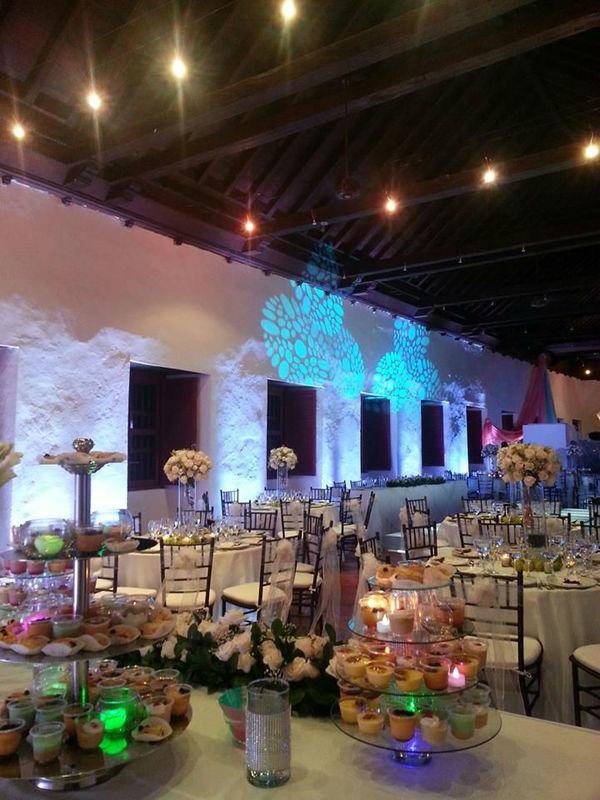 Salones coloniales para bodas en Cartagena.
