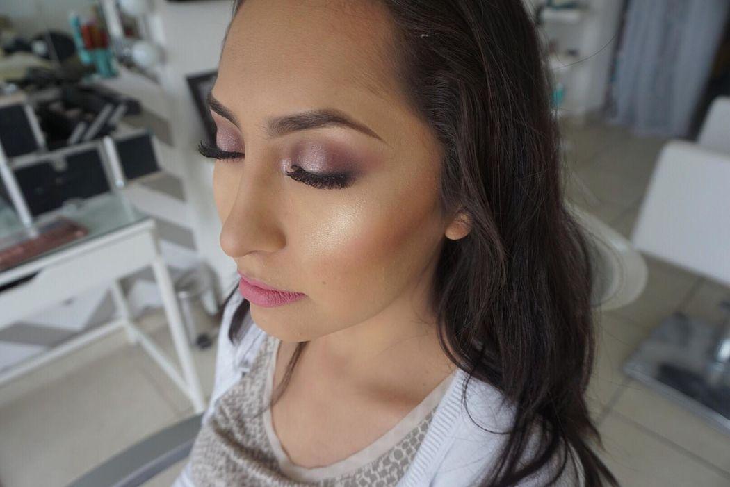 Zoe's Make Up Studio- By Gricel Castellanos