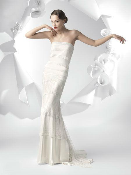 Beispiel: Mode für die Braut mit Stil, Foto: Meister Couture.