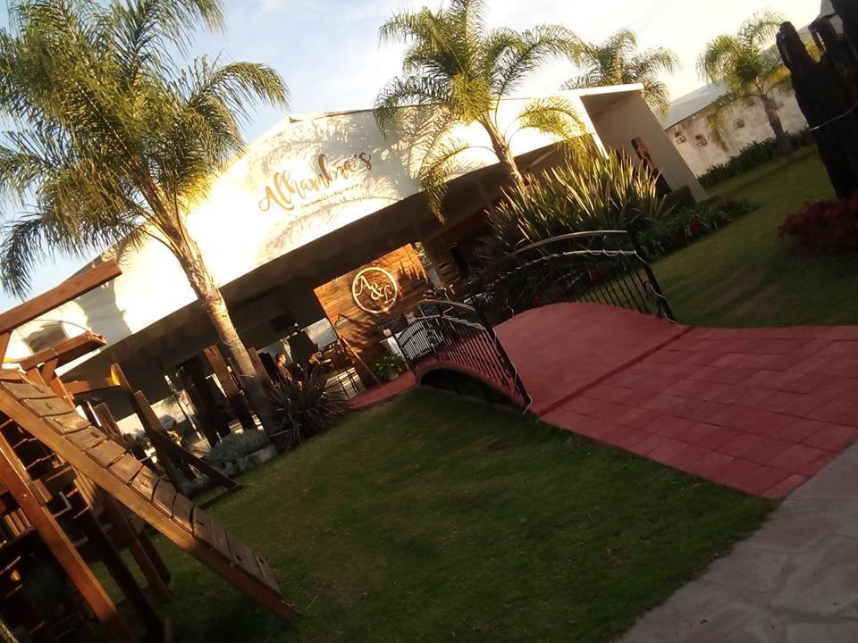 Alhambra Banquetes y Eventos / Jardin Terraza Alhambra's