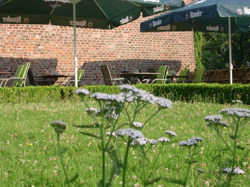 Beispiel: Terrasse, Foto: J-Restaurant Schloss Ringenberg.