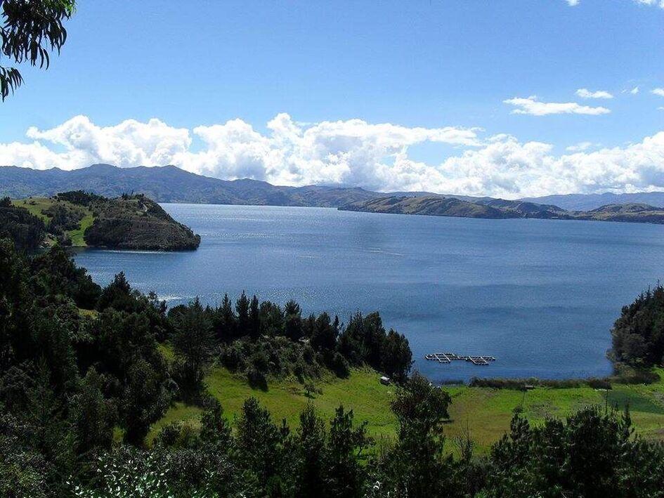 Domos Del Lago