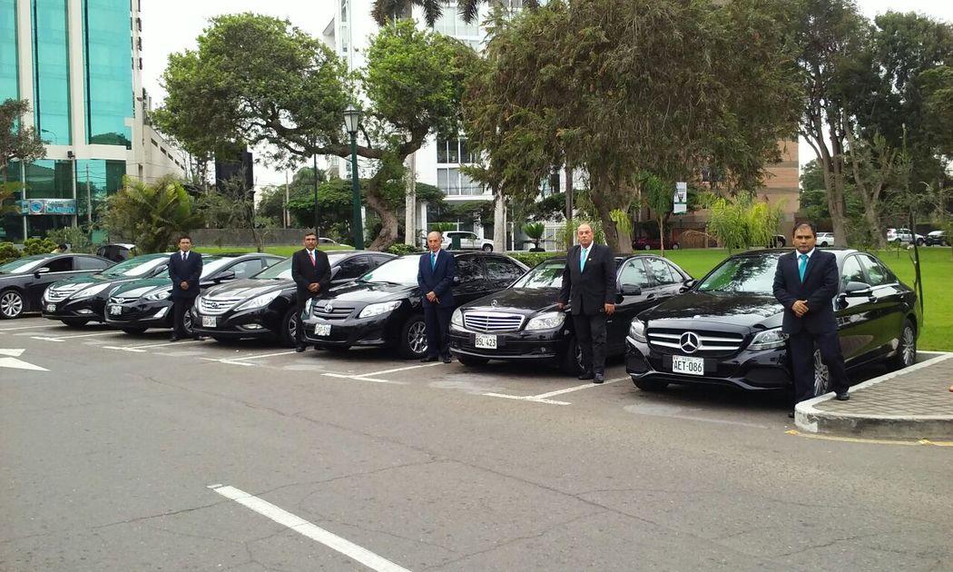 Servicio de traslado para ejecutivos.  Empresas corporativas & hoteles en Lima Traslados al aeropuerto, servicios por horas, city tours, etc