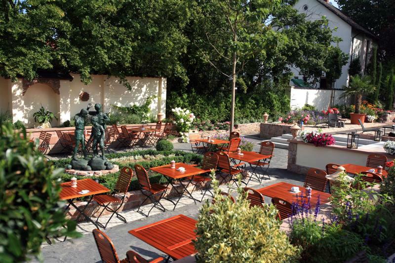 Beispiel: Mediterraner Hofgarten, Foto: EdVino.