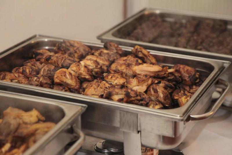 Beispiel: Warmes Buffet, Foto: Golden Catering.