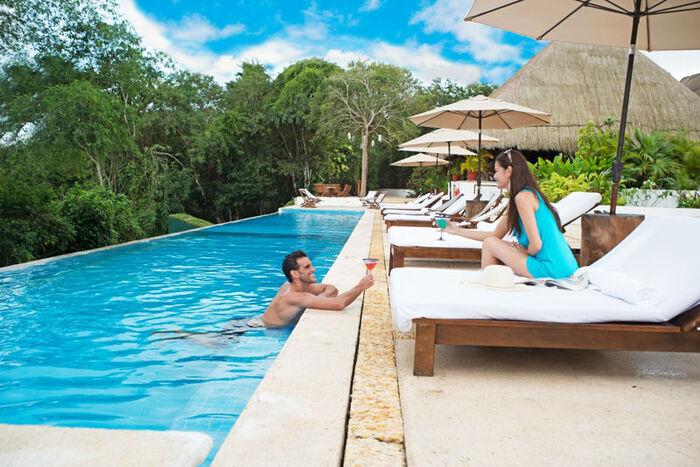 Si quereis exclusividad, en un Hotel en la selva, con las máximas comodidades y lujo, os proponemos Kohunlich