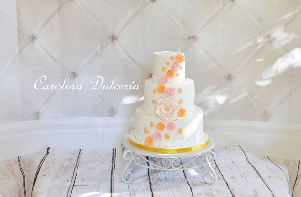 Torta flores y botones dorados
