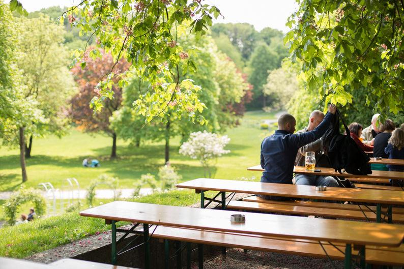 Beispiel: Garten, Foto: Wirtshaus am Rosengarten.