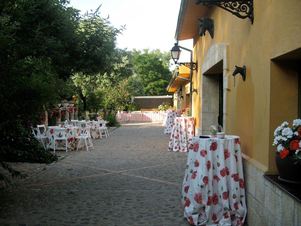 Cocktail de Bienvenida en el patio de las caballerizas Inglesas