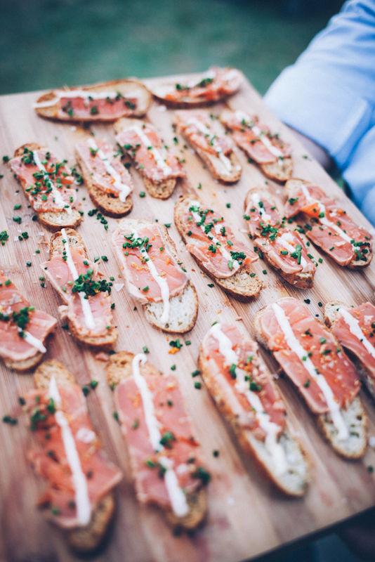 Tosta de salmón con mayonesa de eneldo - Bodas 21 de Marzo