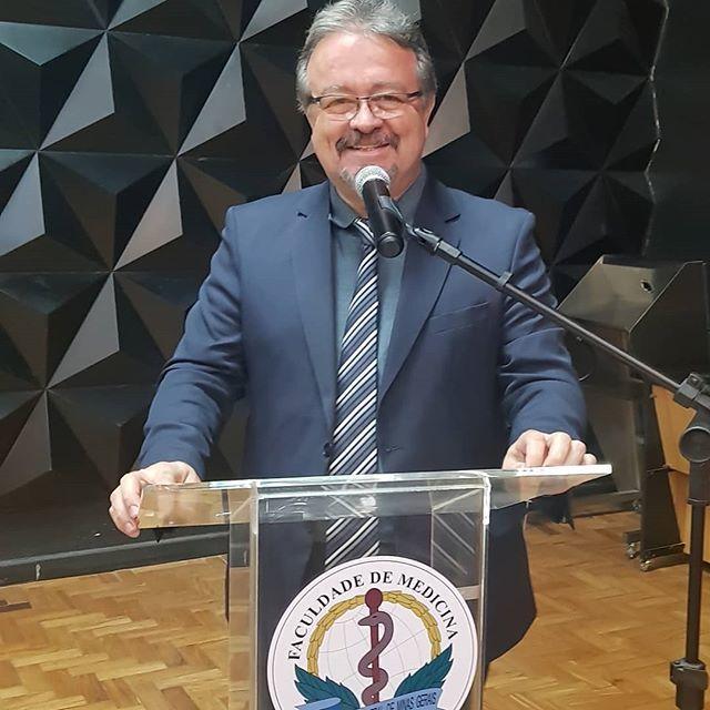 Celebrante Reginaldo Gomes