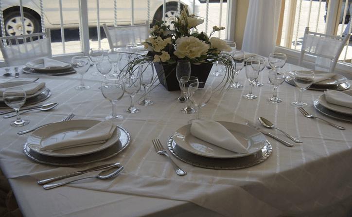 Decoración elegante y distintiva para tu boda - Foto Banquetes Versalles