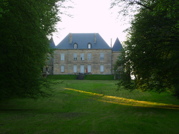 Château vu d'en bas du parc