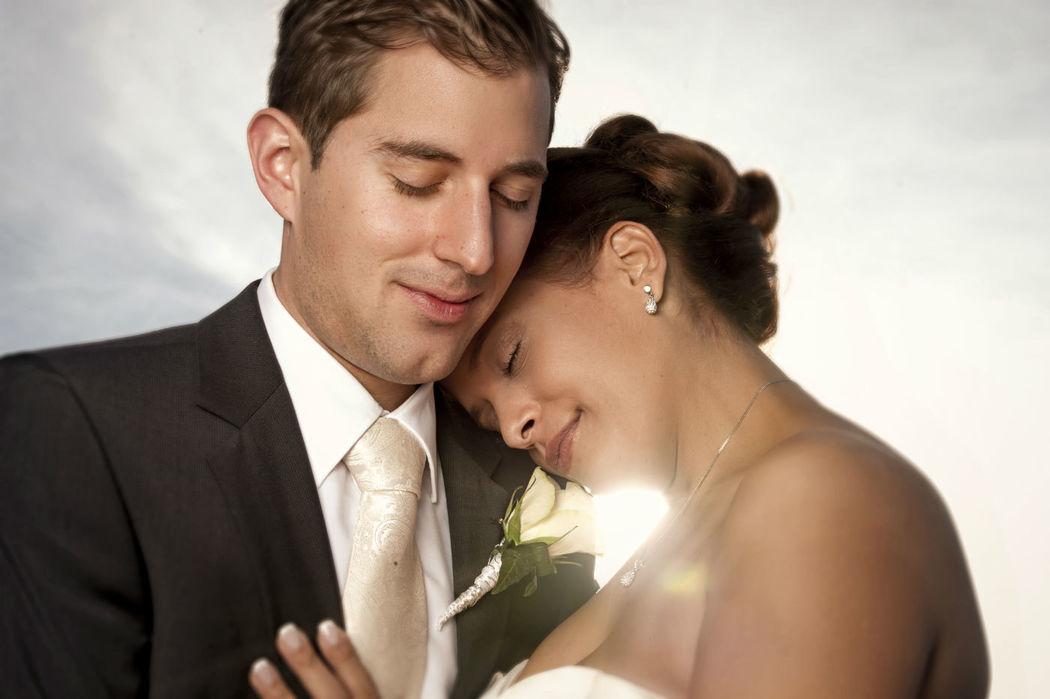 Beispiel: Romantische Fotos von Ihrer Hochzeit, Foto: Bildschmiede Fotografie.