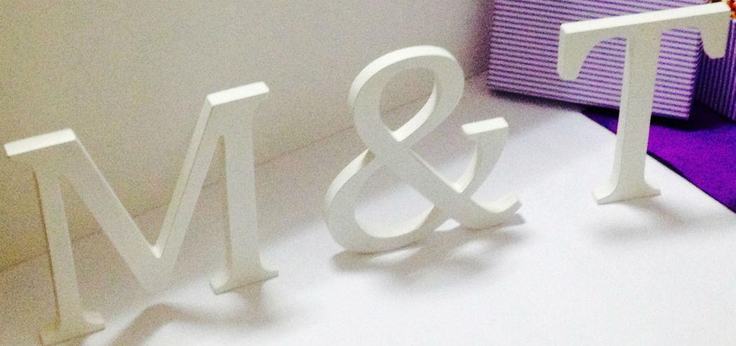 Letras decorativas para la mesa presidencial, rincón dulce, etc.