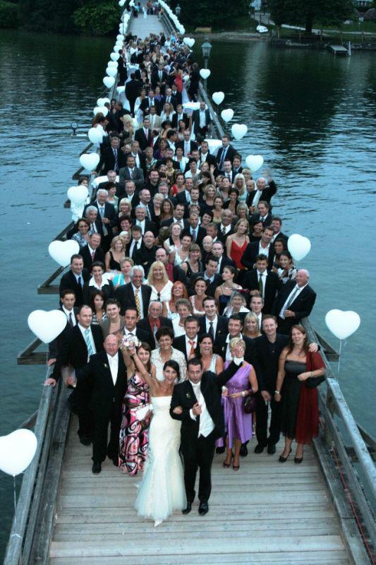 Beispiel: Hochzeitsgesellschaft, Foto: SagJa.