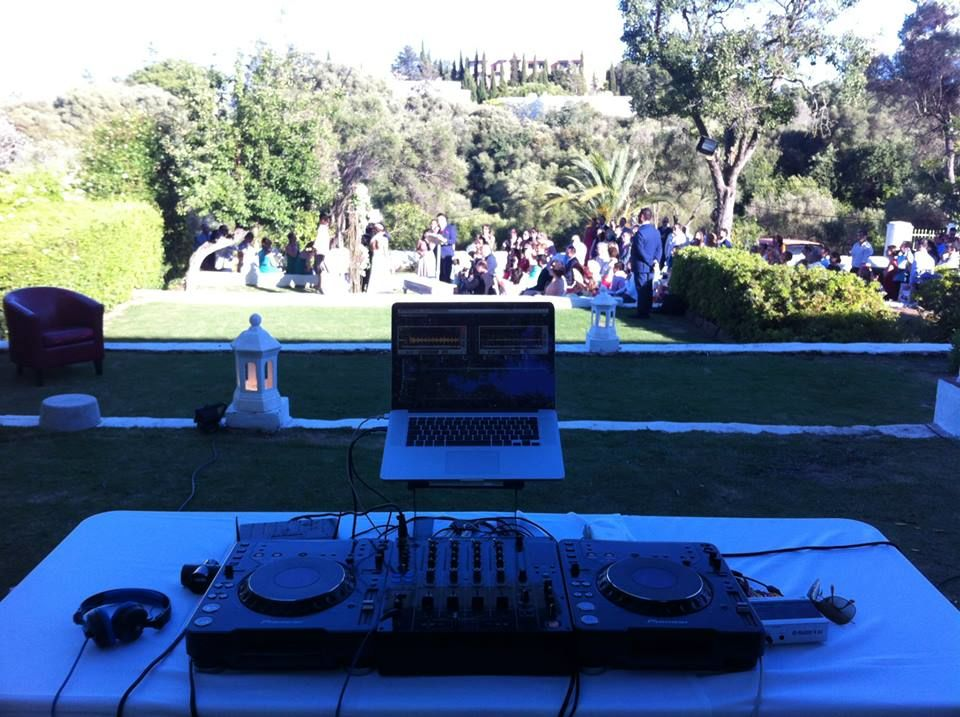 DJ Carlos Aguilar