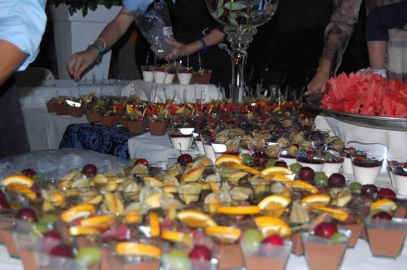 Il buffet di dolci al cucchiaio