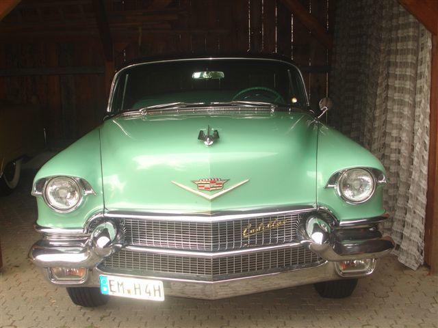 Beispiel: Hochzeitsauto, Foto: Parkhotel Krone Maleck.