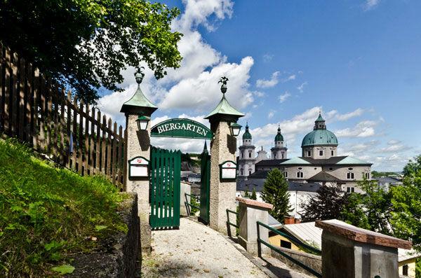 Herzlich Willkommen im wohl schönsten Biergarten Salzburgs