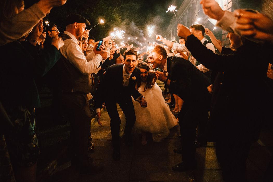 Oak & Blossom Wedding Visuals