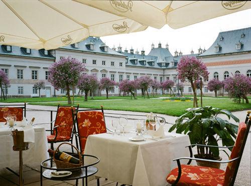Beispiel: Terrasse, Foto: Schlosshotel Pillnitz.
