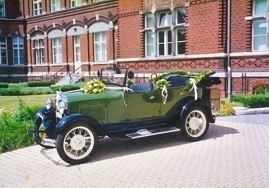Beispiel: Autoschmuck, Foto: Blumenhaus Gloeden.