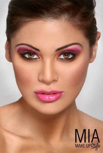 Mia Makeup Style