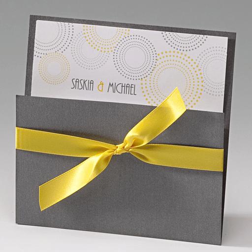 Beispiel: Laden sie zu Ihrer Hochzeit, Foto: Der-hochzeitskartenshop.de.