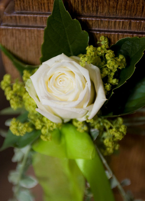 Beispiel: Anstecker für den Bräutigam, Foto: Hochl & Co.