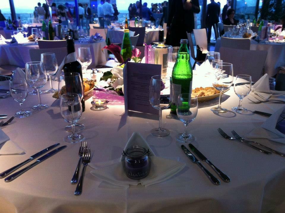 Beispiel: Hochzeitsbankett, Foto: Bar and more Eventcatering.